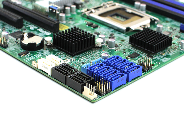 Supermicro-X10SL7-F-SATA-and-SAS-connectors